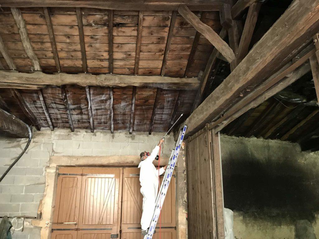 Un specialiste du traitement de charpente à Lons-le-saunier